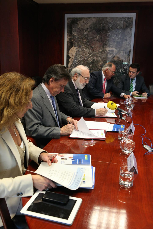 firma convenio EOI